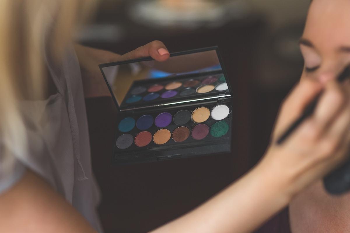 3 Eyeshadow tutorials for beginners