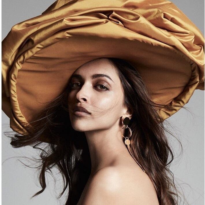 16 Best Looks Of Deepika Padukone | Fabbon