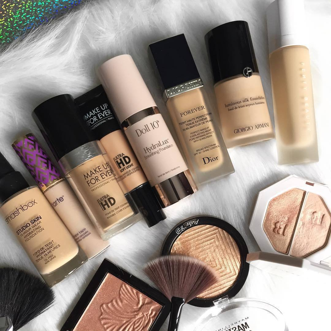 15 Best Foundations For Dry Skin In India 2020