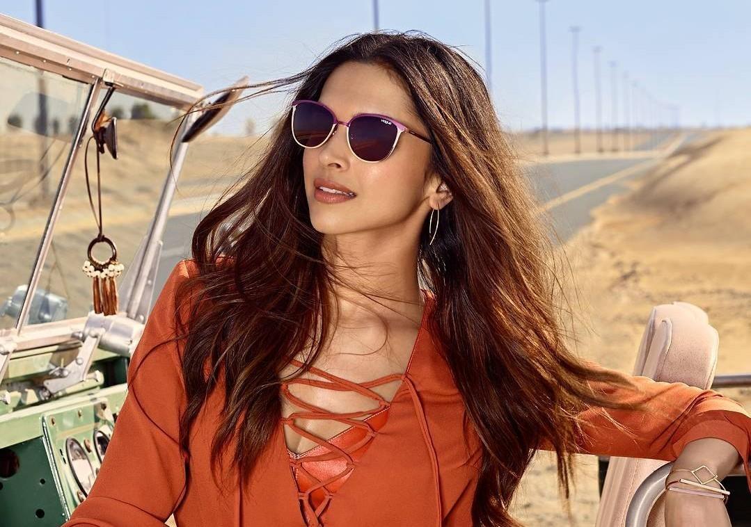 7 Amazing Hairstyles inspired from Deepika Padukone | Fabbon