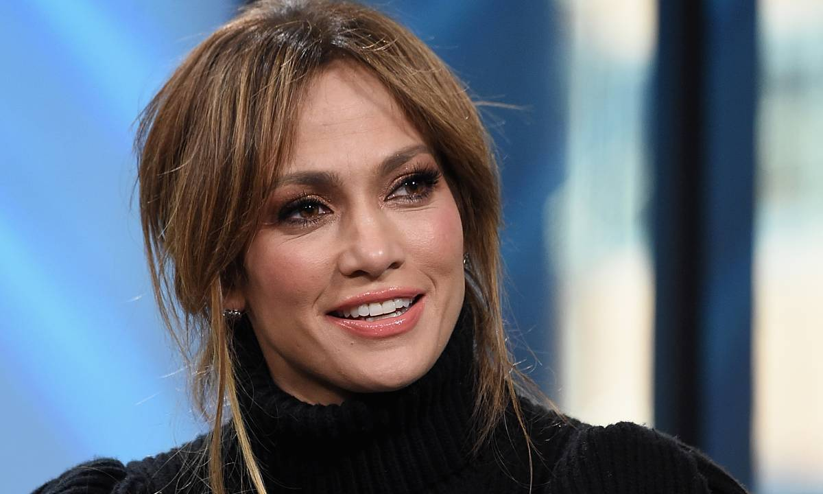 Jennifer Lopez Skin Care, Diet And Weight Loss Secrets