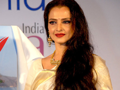 Amazing Beauty and Fitness Secrets Of Bollywood Diva Rekha