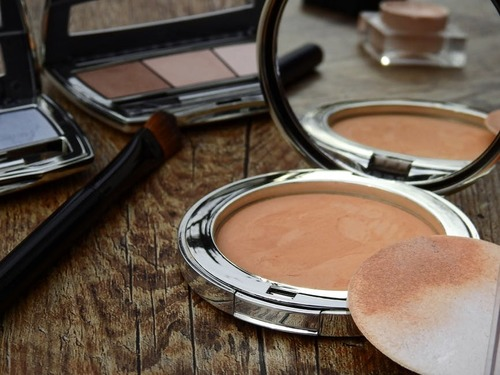 Best Compact Powders For Your Skin Type