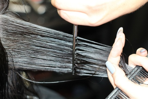 15 Potent Home Remedies To Get Rid Of Split Ends