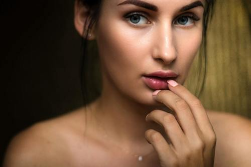 Microdermabrasion Treatment: Pros, Cons and Side Effects