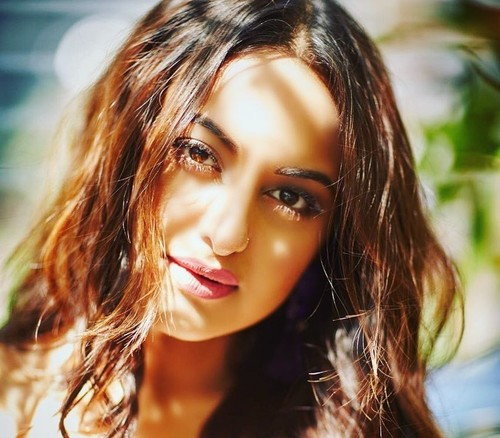 This Is The Morning Beauty Routine Of Sonakshi Sinha