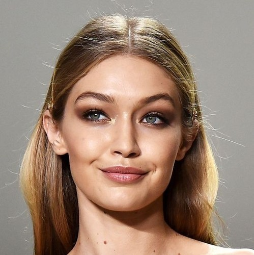 Gigi Hadid Diet Plan And Fitness Routine For A Toned Body