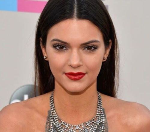 7_Kendall_Jenner_Plastic_Surgery