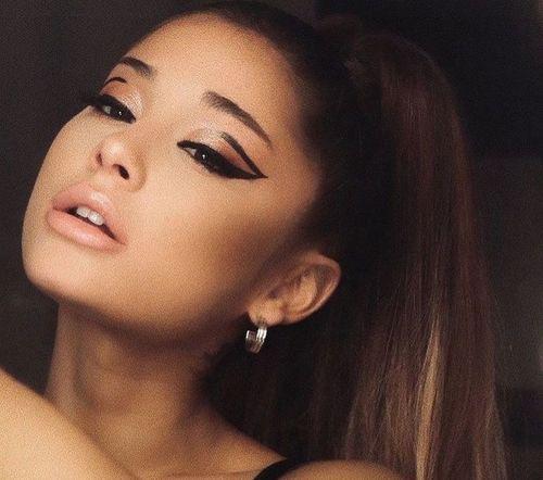 3 Ariana Grande Makeup