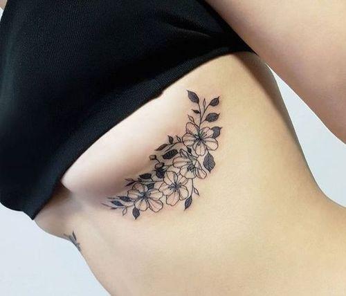7_Under_Boob_Tattoo_Designs
