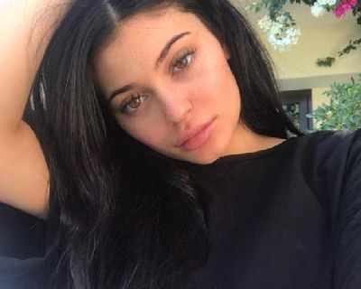 Kylie Jenner No Makeup Look - 6