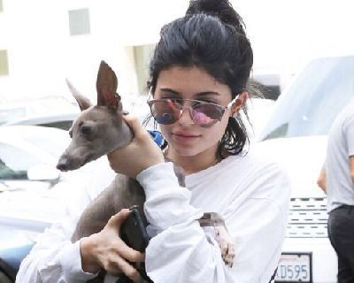 Kylie Jenner No Makeup Look - 7