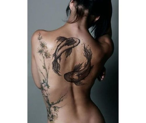 23_Back_Tattoos_for_Girls