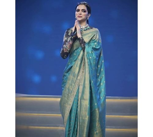 15_Deepika_Padukone_In_Saree