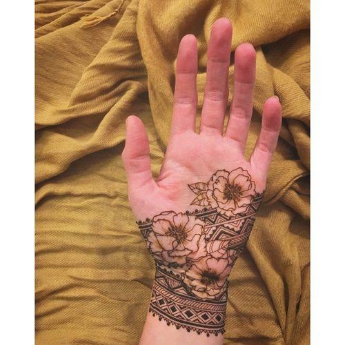 5_Best_Floral_Mehndi_Designs