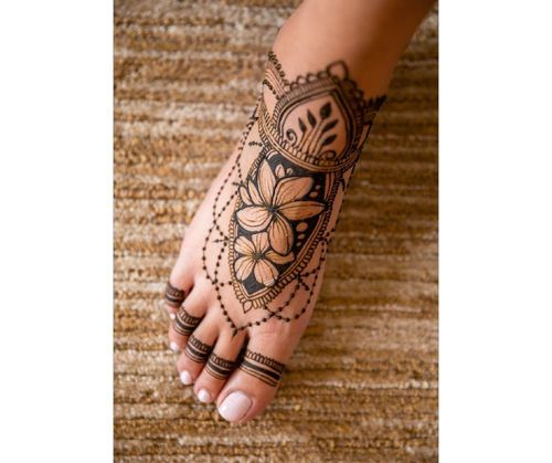9_Best_Floral_Mehndi_Designs