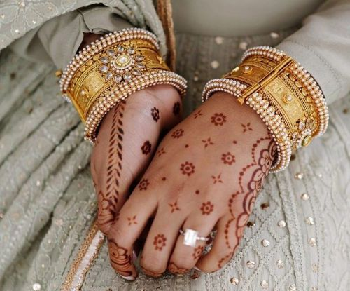 19_Best_Floral_Mehndi_Designs