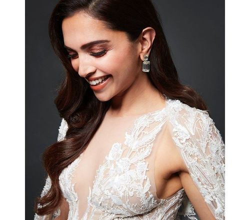 15_Deepika_Padukone_Beauty_Tips