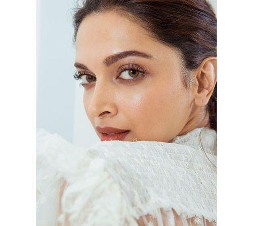 8_Deepika_Padukone_Beauty_Tips