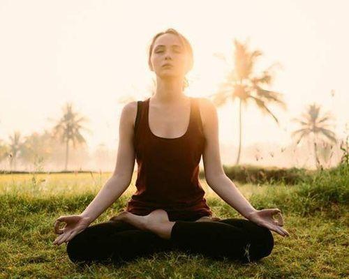 2_Best_Yoga_Asanas_For_Beginners