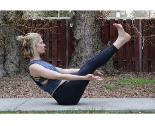 10_Best_Yoga_Asanas_For_Beginners