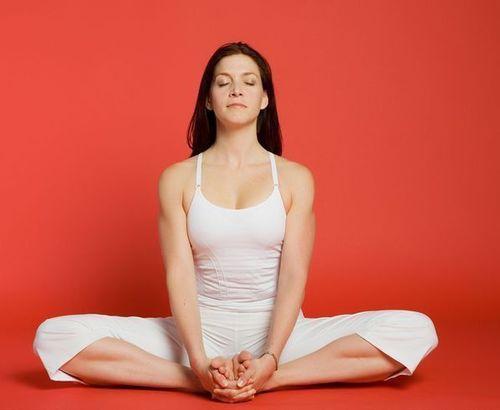 13_Best_Yoga_Asanas_For_Beginners