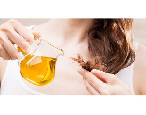 2_Almond_Oil_For_Hair_And_Skin