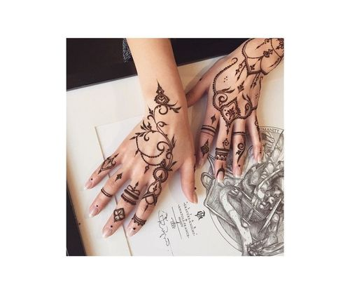 4_Simple_Mehndi_Design