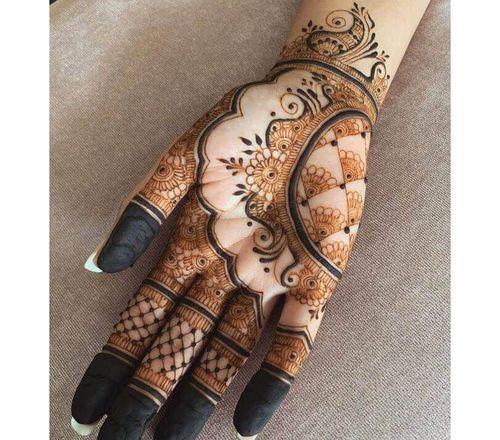 2_Mehndi_Designs_For_Hands