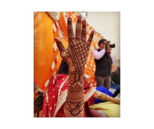 16_Mehndi_Designs_For_Hands
