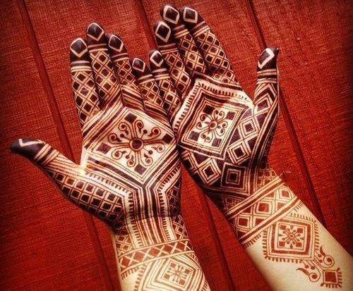 17_Mehndi_Designs_For_Hands
