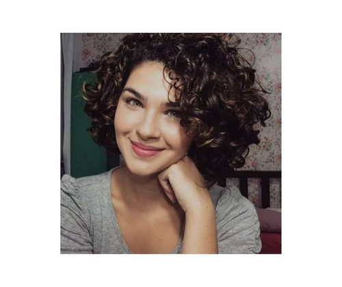 4_Short_Curly_Hairstyles