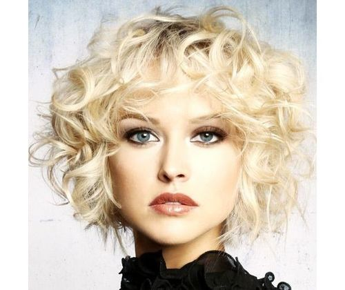 42_Short_Curly_Hairstyles