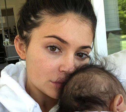 24_Kylie_Jenner_No_Makeup