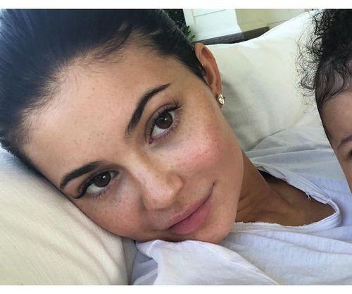 20_Kylie_Jenner_No_Makeup