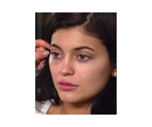 15_Kylie_Jenner_No_Makeup