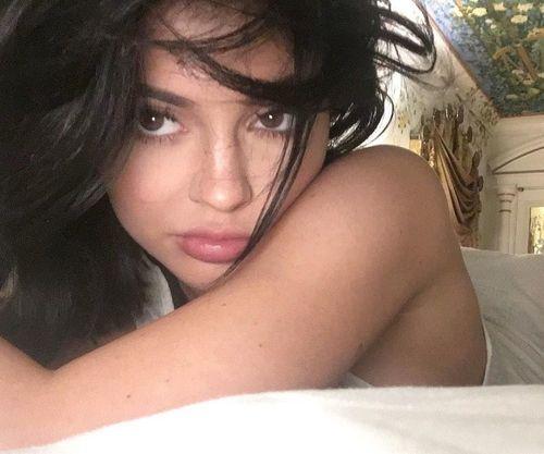 1_Kylie_Jenner_No_Makeup