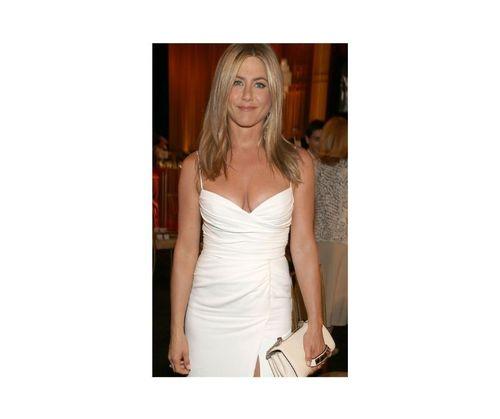 25_Jennifer_Aniston_Outfits