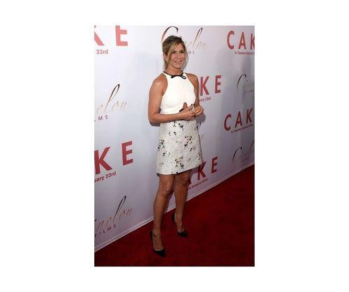 23_Jennifer_Aniston_Outfits