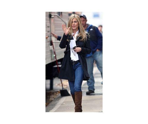 22_Jennifer_Aniston_Outfits