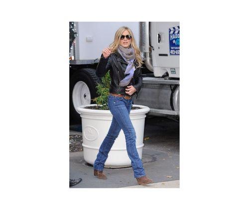 20_Jennifer_Aniston_Outfits