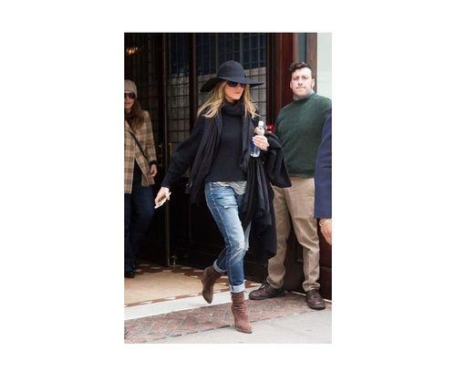 18_Jennifer_Aniston_Outfits