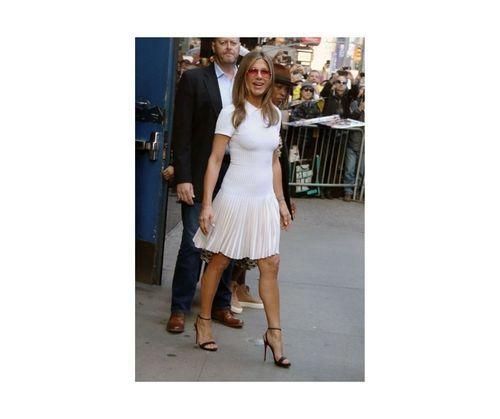 14_Jennifer_Aniston_Outfits