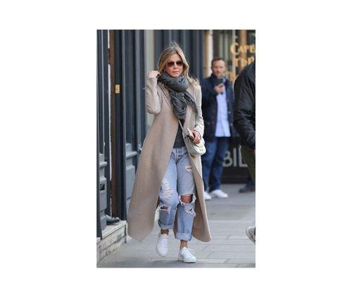 6_Jennifer_Aniston_Outfits