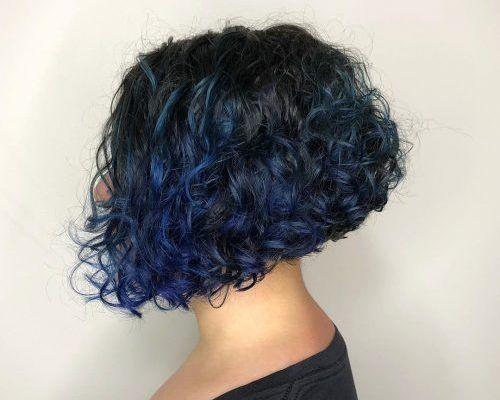 5_Bob_Cut_For_Curly_Hair