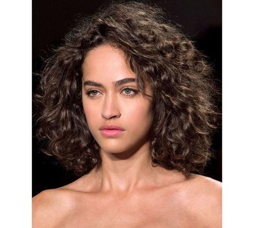 19_Bob_Cut_For_Curly_Hair