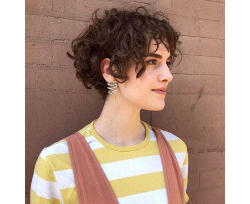 20_Bob_Cut_For_Curly_Hair