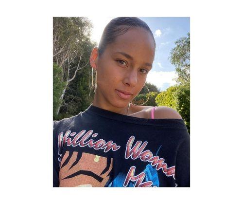10_Alicia_Keys_No_Makeup
