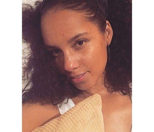12_Alicia_Keys_No_Makeup