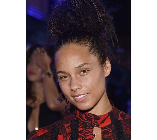 16_Alicia_Keys_No_Makeup